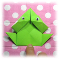 traditional jumping origami frog