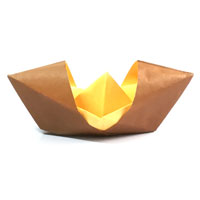 paper boat with sunshade