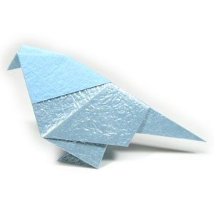 3D animated origami instructions to make a peace crane, flapping