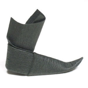 traditional origami boot