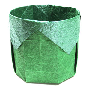 square round origami box (perspective view)