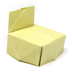 traditional origami chair