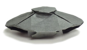 flying origami UFO (Side view)